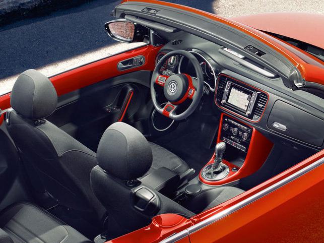 Volkswagen-Beetle-Cabriolet_3n