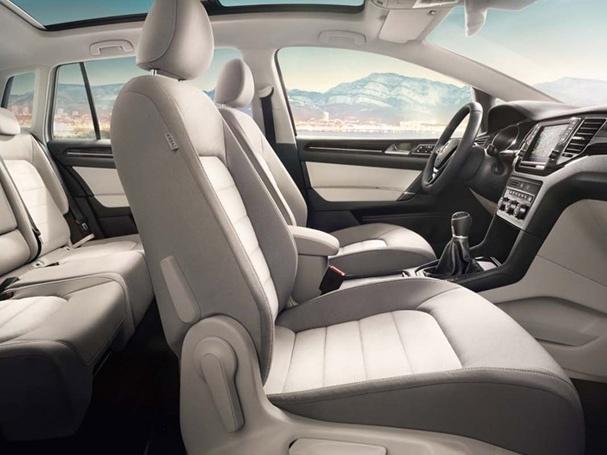 Volkswagen-Golf-Sportsvan_6