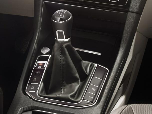 Volkswagen-Golf-Sportsvan_7