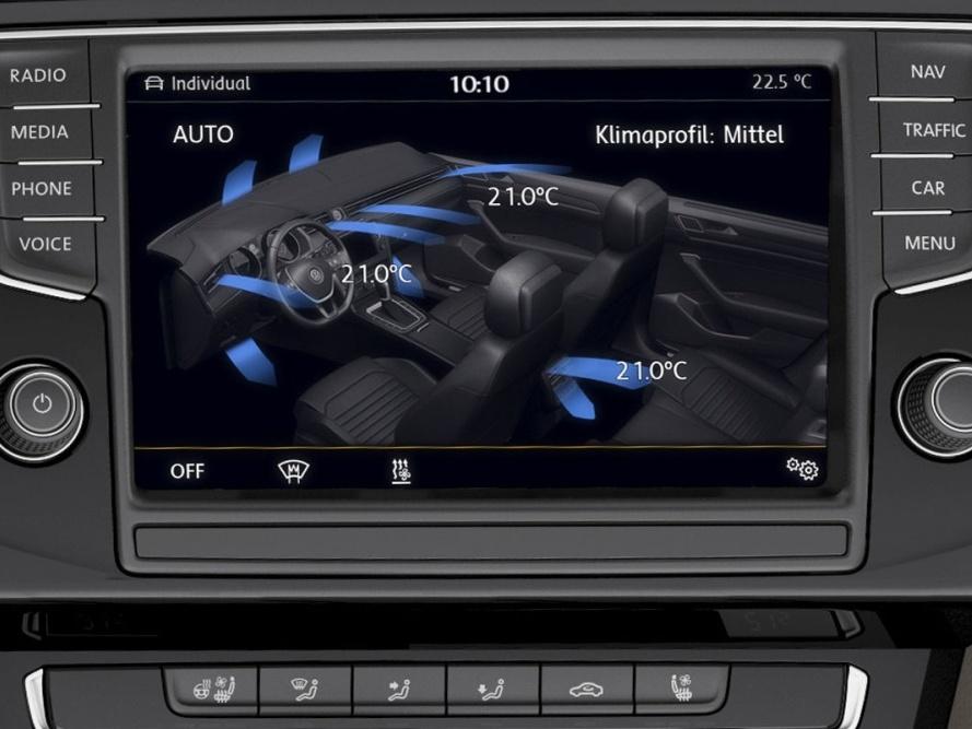 Volkswagen-Nový-Passat-Variant_12N