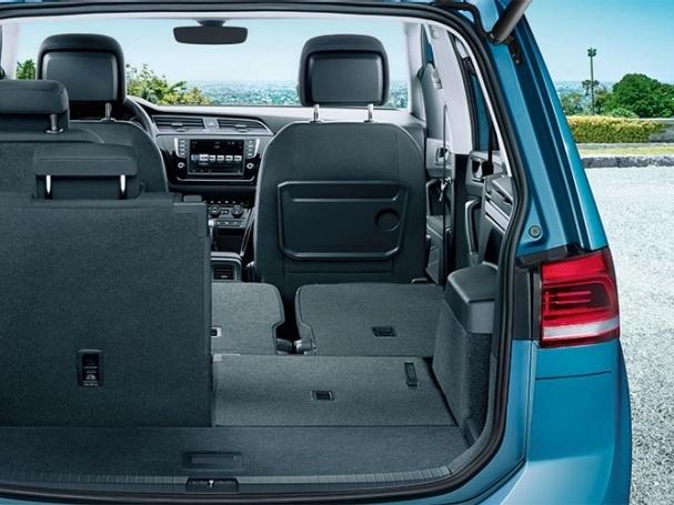 Volkswagen-Nový-Touran-Základní-model_10N