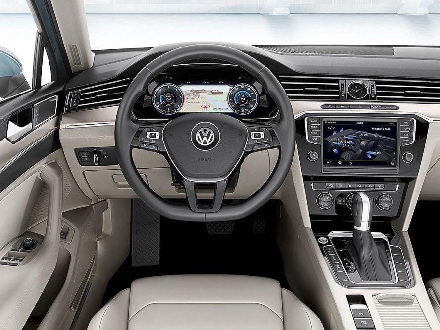Volkswagen-Nový-Passat-Variant_13N