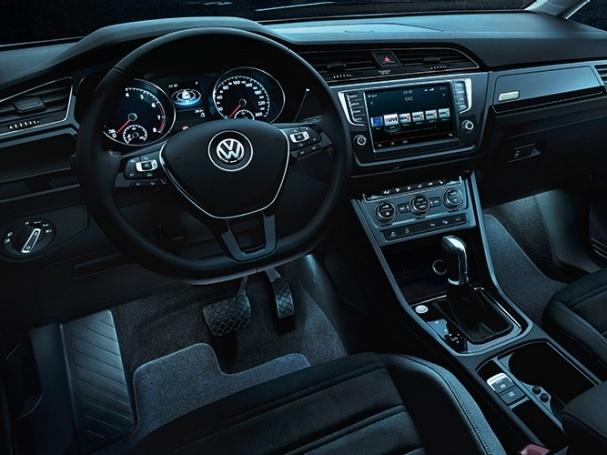 Volkswagen-Nový-Touran-Základní-model_5N