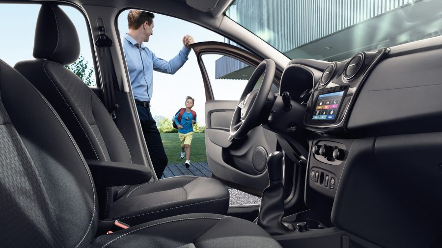 dacia-logan-l52-design-interior-001.jpg.ximg.l_6_h.smart