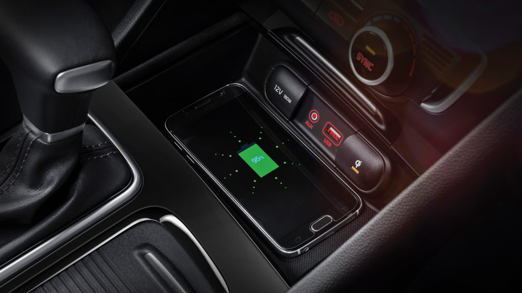 jf-phev_exm1_wireless-phone-charger_1920x1080