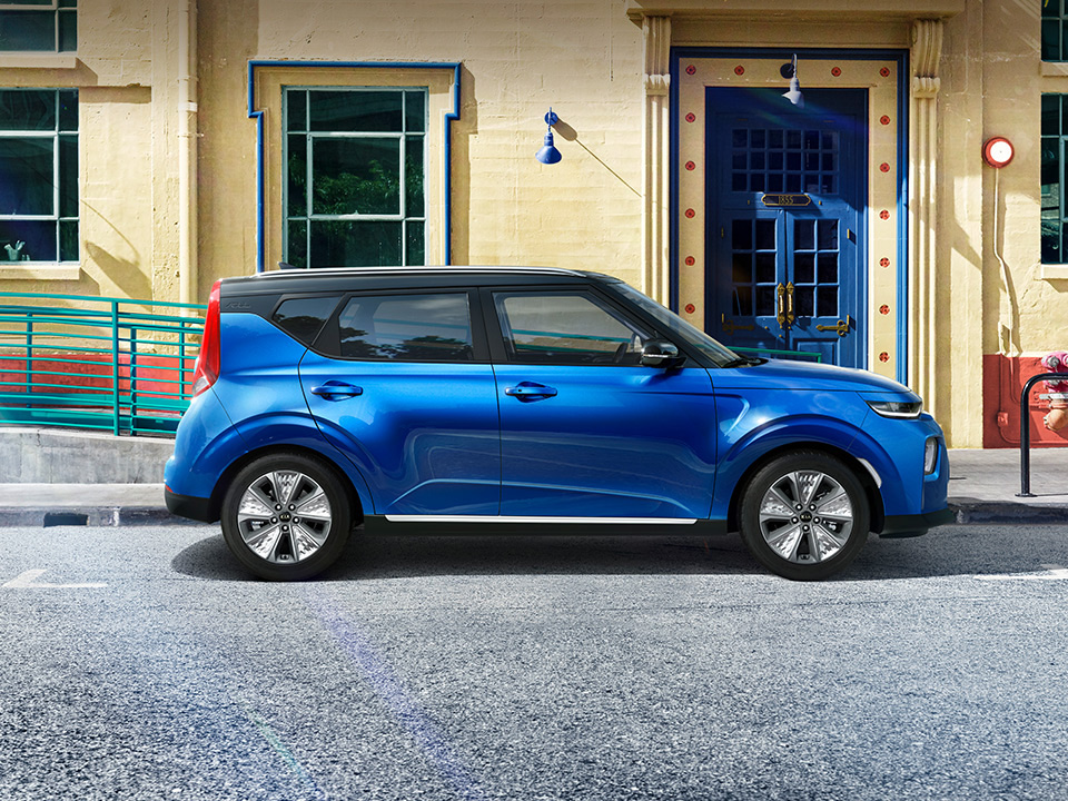 kia-e-soul-my19-the-chic-electric