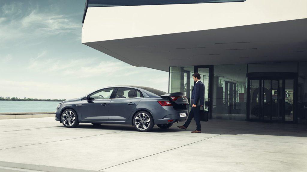 renault-megane-sedan-lff-ph1-features-modularity-002.jpg.ximg.l_full_h.smart