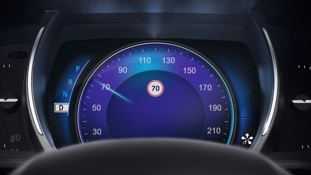 renault-megane-sedan-lff-ph1-features-multimedia-002.jpg.ximg.l_full_h.smart