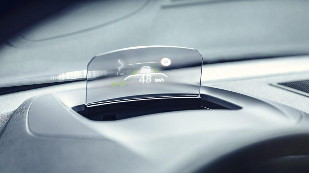 renault-megane-sedan-lff-ph1-features-technology-002.jpg.ximg.l_full_h.smart