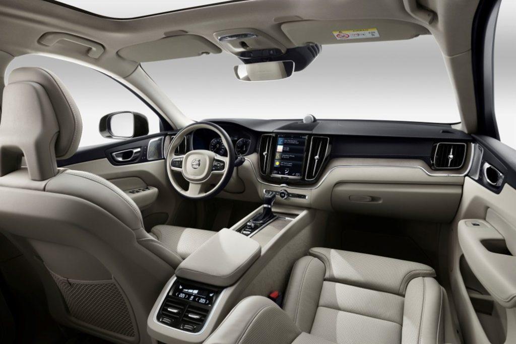 Interiér Volva XC60 v šedé barvě