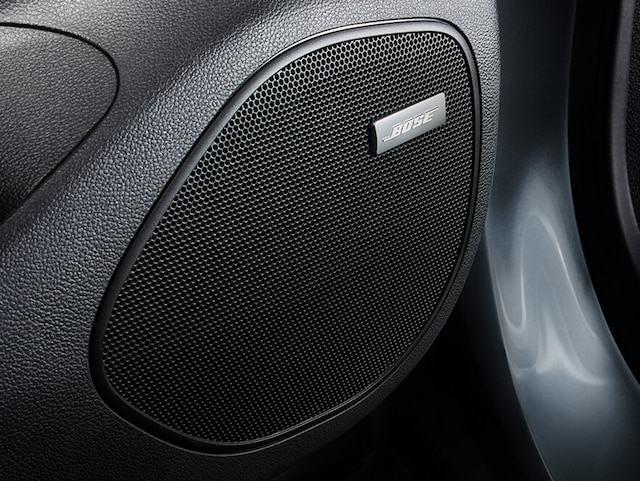 Opel_Astra_Bose_Sound_System_4x3_as20_i01_383