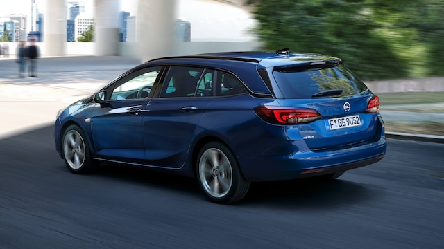 Opel_Astra_Exterior_driving_16x9_as20_e01_365