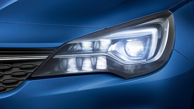 Opel_Astra_LED_Matrix_Light_16x9_as20_e02_519