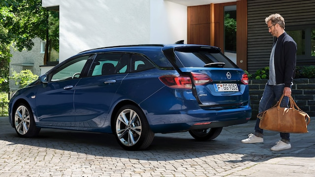 Opel_Astra_SportsTourer_Power_Tailgate_16x9_as20_e01_368