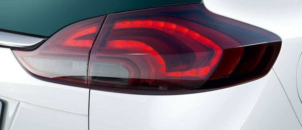 Opel_Zafira_LED_Rear_Lights_1024x440_za17_e01_008