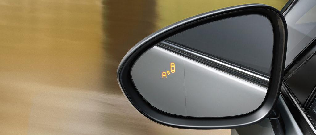 Opel_Zafira_Side_Blind_Spot_1024x440_zat16_e02_029