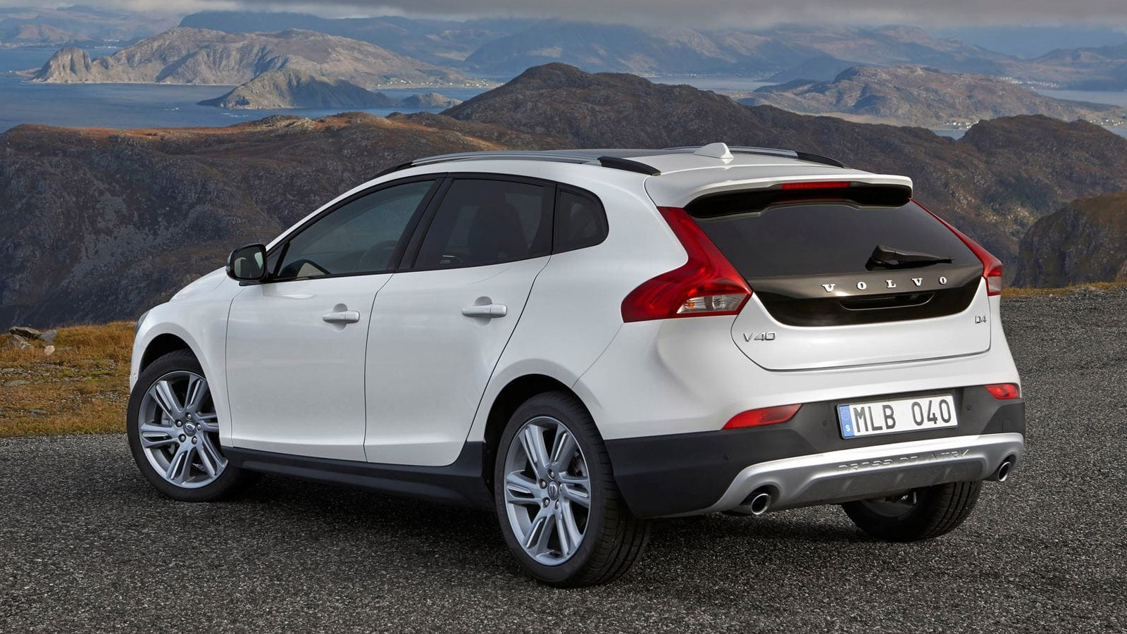 volvo v40 cross country t4 awd full service leasing tukas. Black Bedroom Furniture Sets. Home Design Ideas