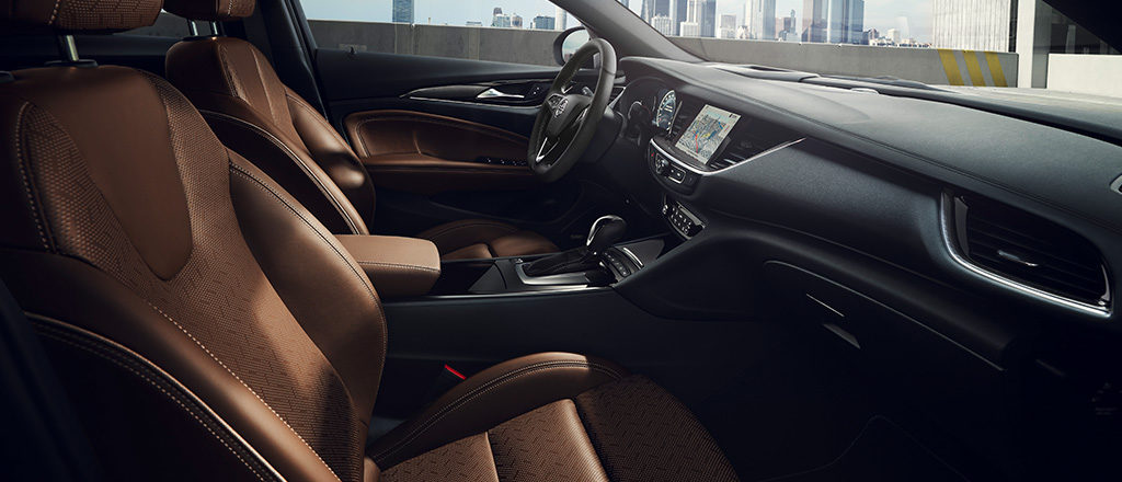 Opel_Insignia_AGR_1024x440_ins18_i01_032-1
