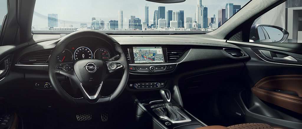 Opel_Insignia_Interior_1024x440_ins18_i01_031-1