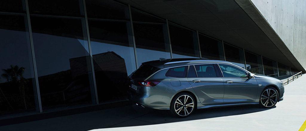 Opel_Insignia_ST_Exterior_1024x440_ins18_e01_002