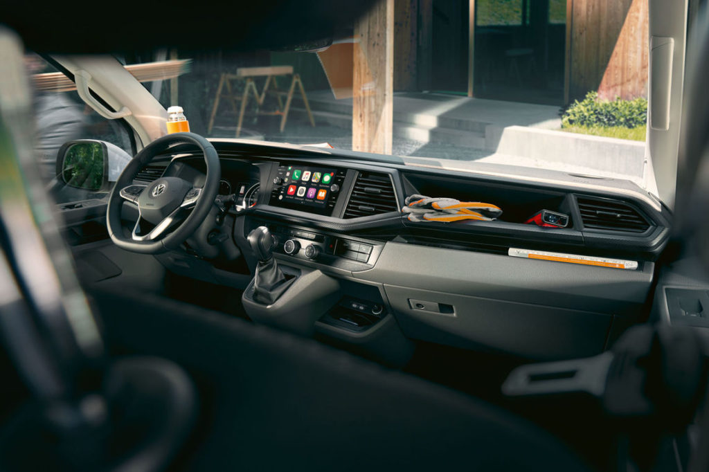 vw-transporter-61-cockpit